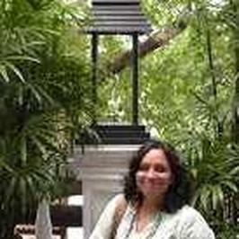 Radhika Ravi Rajan की पूरी प्रोफाइल देखें