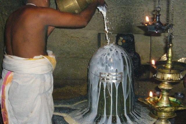 First ritual: Abhisheka