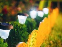 सोलर लाइट्स बना रही हैं रांची की महिलाएं
