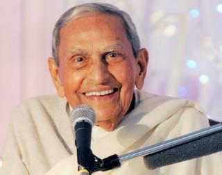 Eminent Spiritual Leader, Dada Vaswani breathes his last at the age of 99!