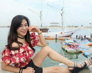 This 50-Year Old Indonesian Woman Shocks the World with Her Looks