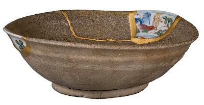 A Japanese pottery technique called Kintsukuroi