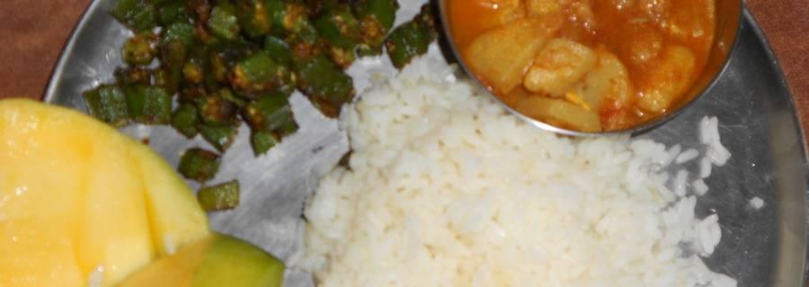 eat Chawal,Bhindi,alu ki sabji with mango -Healthy food