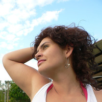 Linda Flor Salazar